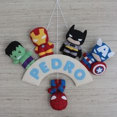 Fiocco nascita fai da te supereroi in pannolenci Cute Crafts, Felt Crafts, Diy And Crafts, Felt Patterns, Stuffed Toys Patterns, Felt Wreath, Felt Mobile, Felt Decorations, Felt Diy