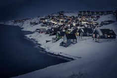 myggedalen-village-at-night-greenland
