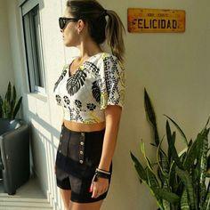 Shorts pique botões + cropped floral! ❤️❤️❤️ Www.Vithafashions.Com.Br  Vendas e informações também pelo WhatsApp (11)98485-5599. 💳 Parcelamos em até 3x no cartão do crédito. 📦 Enviamos para todo o Brasil!  #vithafashion #vfs #modafeminina #fashionista #look #tendencia #fashion #trend #ecommerce #vendaonline #vithafashions #moda