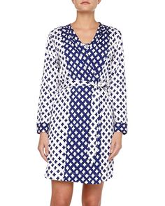 Pin for Later: Kim Kardashian Convinces Us to Wear Robes Out of the House Oscar de la Renta Robe If you aren't ready to go full eveningwear with your robe, this two-tone geometric print cotton option ($174) is perfect tied over a pair of jeans.