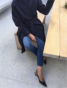 Black wrap coat with medium denim and black kitten heels // Fall outfits