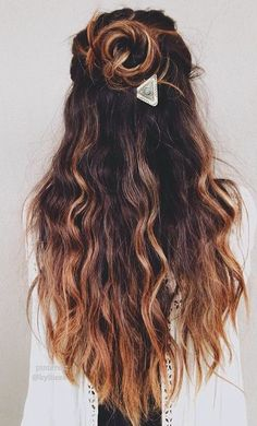 Half-up half-down buns are one of our fav hairstyles.