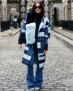 12 cool ideas on how to wear denim from LFW street style stars … www. 12 cool ideas on how to wear denim from LFW street style stars … www. Urban Street Style, Street Style 2016, Casual Street Style, Cullotes Street Style, Fashion Updates, Star Fashion, Flare Jeans, Winter Jackets, Denim
