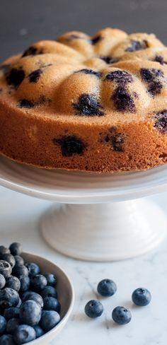 Blueberry & Lemon Cake | eatlittlebird.com