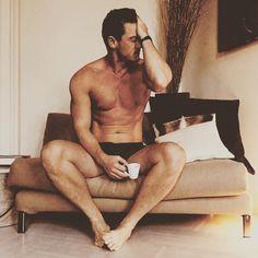 "- @thereallukeevans Instagramissa: ""Monday Morning.... """
