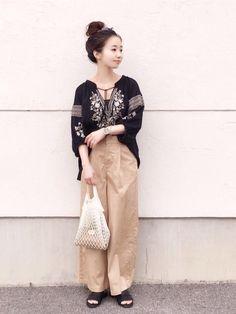 ミスティウーマンのブラック刺繍ブラウス〜 可愛い(^ ^)♡ ブラウス/FREE ワイドチノ/M フ