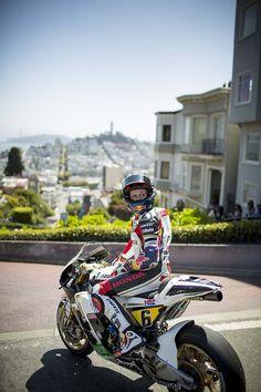 Bradl à SF, avec sa RCV de Moto GP tranquille.