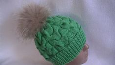 Вязание шапки по кругу узором  объемные косы.Knitting hats in a circle pattern voluminous tresses - YouTube