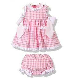 Precioso vestido de verano para niña con braguita a juego en cuadros vichy rosa y blanco moda infantil