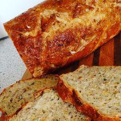 Franskbrød med havregrød og gulerod   Urban Mad Bread Bun, Dough Recipe, Bread Baking, Crackers, Banana Bread, Rolls, Food And Drink, Favorite Recipes, Snacks