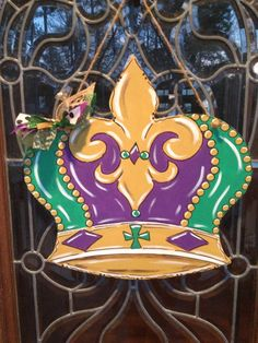 Mardi Gras Crown Door Hanger, Door Wreath, New Orleans, NOLA, King's Crown by ArtworkToTreasure on Etsy https://www.etsy.com/listing/253339408/mardi-gras-crown-door-hanger-door-wreath