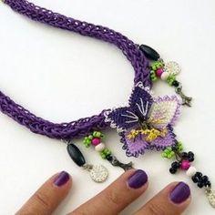 Bead Crochet, Diy Crochet, Lace Necklace, Crochet Necklace, Spool Knitting, Purple Hands, Knit Shoes, Needle Lace, Textile Jewelry