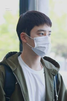D.O - 160504 Gimpo Airport, arrival from Tokyo - 1/2 Credit: Wish Boy. (김포공항 출국)