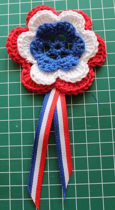 Learn To Crochet, Diy Crochet, Crochet Crafts, Crochet Bookmarks, Crochet World, Crochet For Beginners, Creative Decor, Crochet Flowers, 4th Of July