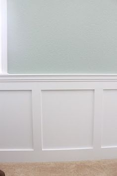 10 Generous Tips AND Tricks: Stained Wainscoting Benjamin Moore wainscoting height room ideas.Classic Wainscoting Chairs wainscoting around windows interior design. Picture Frame Wainscoting, Wainscoting Height, Wainscoting Kitchen, Painted Wainscoting, Dining Room Wainscoting, Wainscoting Panels, Wainscoting Ideas, Wainscoting Nursery, Black Wainscoting