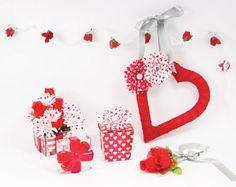 Valentine's Wreath and Arrangement, large Valentines Day Photos, Valentine Crafts For Kids, My Funny Valentine, Valentine Wreath, Love Valentines, Fun Diy Crafts, Diy Craft Projects, Craft Ideas, Diy Wreath