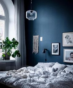 Calming bedroom colour schemes in neutral tones (that aren't white) - Your DIY Family, Sweet dreams! Calming bedroom colour schemes in neutral tones (that aren't white). Coastal Master Bedroom, Master Bedroom Design, Bedroom Decor, Calm Bedroom, Next Bedroom, Small Room Bedroom, Bedroom Ideas, Calming Bedroom Colors, Bedroom Color Schemes