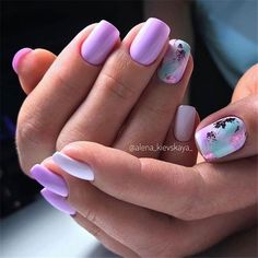 The advantage of the gel is that it allows you to enjoy your French manicure for a long time. There are four different ways to make a French manicure on gel nails. Fancy Nails, Cute Nails, Pretty Nails, Colorful Nail Designs, Nail Art Designs, Colorful Nails, Shellac Nail Designs, Nail Design Spring, Manicure