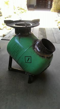 Discover thousands of images about Resultado de imagen para rocket stove and grill Metal Projects, Welding Projects, Art Projects, Rocket Stove Design, Diy Rocket Stove, Diy Wood Stove, Outdoor Stove, Diy Fire Pit, Fire Pits