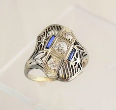 Antique dinner ring with sapphires