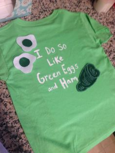 Green Eggs and Ham shirt for Dr. Seuss week at school! So much fun! Green Eggs and Ham shirt for Dr. Dr. Seuss, Dr Seuss Week, School Shirts, Teacher Shirts, Dr Seuss Costumes, Dr Seuss Shirts, Dr Seuss Crafts, Dr Seuss Activities, Theodor Seuss Geisel