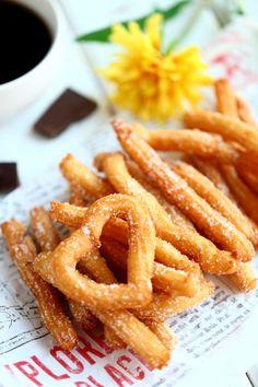 Churrot eli munkkitangot Onion Rings, No Bake Cake, Snacks, Baking, Ethnic Recipes, Desserts, Drinks, Apple, Tailgate Desserts