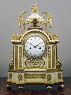 A French Louis XVI mantel clock. 1780. 11000€