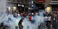 Navijači Engleske, Rusije i lokalci iz Marseillea imaju svoj obračun na ulicama Marseillea već tri dana, uoči večerašnje utakmice između Engleske i Ru...
