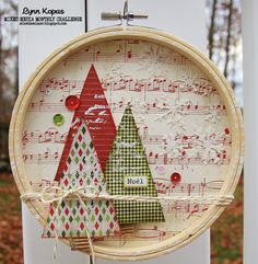 Embroidery Ideas 22 Easy yet Creative Embroidery Hoop Art Ideas to Decorate Your Home - Decorating on a tight budget? Then try these creative embroidery hoop art ideas that are actually quite easy and inexpensive to create. All Things Christmas, Christmas Holidays, Christmas Wreaths, Christmas Decorations, Christmas Ornaments, Simple Christmas, Homemade Decorations, Glitter Ornaments, Beaded Ornaments