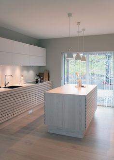 Kitchen Units, Kitchen Dining, Kitchen Decor, Modern Kitchen Design, Interior Design Kitchen, Kitchen Lighting, Interior Design Living Room, Home Kitchens, Kitchen Remodel