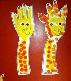 girafe avec les avant bras