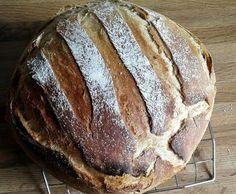 Bienes French bread in the roasting pan - Brot, Semmeln, Fladen u. Bread Bun, Pan Bread, Bread Baking, Bread Recipes, Baking Recipes, Crazy Dough, German Bread, Pampered Chef, How To Make Bread