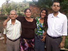 Família da Irmã Izi, amigos do bairro de Itambi.