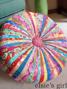Another colorway for the tuffet...complete step by step instructions on this blog!