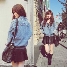 Shinjuku (by Elle Yamada) Leather Skater Skirts, Black Leather Skirts, Denim Oversize, Studded Bag, Dress Me Up, Black Boots, Fashion Looks, Vogue, Street Style