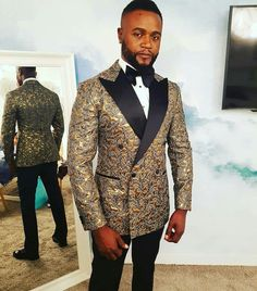 Mens Fashion Suits, Mens Suits, Fashion Outfits, Cool Tuxedos, African Shirts, African Print Fashion, Men Clothes, Gentleman Style, Style Men