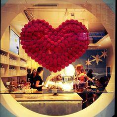 A little bit of macaron love at Soirette  #macaron #heart #Soirette