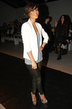 49 Trendy How To Wear White Blazer Leather Leggings Cream Blazer Outfit, Blazer Outfits, Leather Leggings Outfit, Leather Blazer, Frankie Sandford, Snake Skin Shoes, Black Romper, Casual Street Style, Fashion Pants