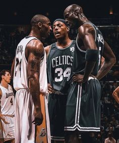 Celtic Pride, Kobe Bryant Pictures, Basketball Videos, Kobe Bryant Black Mamba, Nba Pictures, Kevin Garnett, Nba Stars, Basketball Legends, Boston Celtics