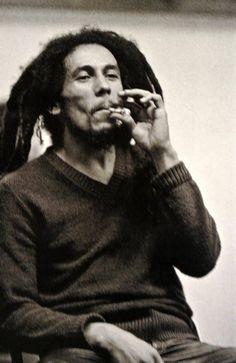 Bob Marley Concert, Reggae Bob Marley, Rasta Music, Reggae Music, Family First, First Love, Image Bob Marley, Bob Marley Pictures, Marley Family