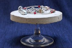 broken_glass_foot_jewelry_stand