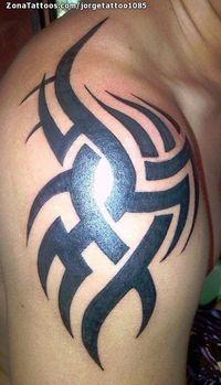 Tatuaje hecho por Jorge, de Caracas (Venezuela). Si quieres ponerte en contacto con él para un tatuaje o ver más trabajos suyos visita su perfil: http://www.zonatattoos.com/jorgetattoo1085    Si quieres ver más tatuajes de tribales visita este otro enlace: http://www.zonatattoos.com/tatuaje.php?tatuaje=102897    #Tatuajes #Tattoos #Ink #Tribales