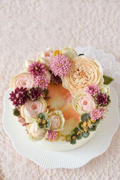 "O's flower cake - Today's flower cake ""오스플라워케이크 - 오늘의 케이크"" Hug me. 사랑스러운 너 :)..."