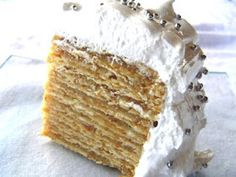 RECETAS PARA TODAS: TORTA DE ALFAJOR / POMPADOUR Gourmet Recipes, Sweet Recipes, Cake Recipes, Dessert Recipes, Desserts, Alfajores Recipe Argentina, Torta Pompadour, Chilean Recipes, Chilean Food