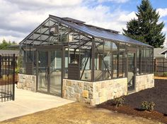 The Traditional Greenhouse with its flatter roof angle is never dominant, fits in all surroundings.
