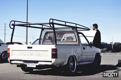 Found theses pictures from the most recent Fatlace WordUp! I swear these small rear wheel drive trucks are going to be the next trend in the states. This one really isn't an exam… Vw Caddy Mk1, Vw Mk1, Volkswagen Caddy, Vw Rabbit Pickup, Vw Pickup, Pickup Trucks, Truck Roof Rack, Truck Accesories, Drift Truck