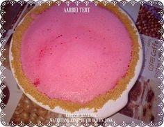 Picture Fridge Cake, Diy Food, Food Food, Meringue Cookies, South African Recipes, Tart Recipes, Sweet Treats, Deserts, Strawberry