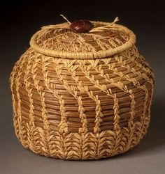Lois Russell pine basket