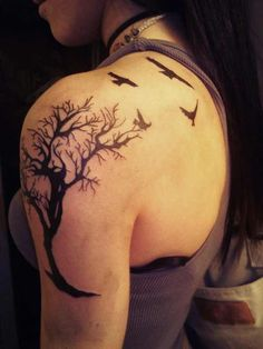 tree tattoo on shoulder - Design of Tattoos