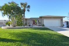 MLS # T2556281 - 924 Spindle Palm Way, Apollo Beach FL, 33572 | Homes.com